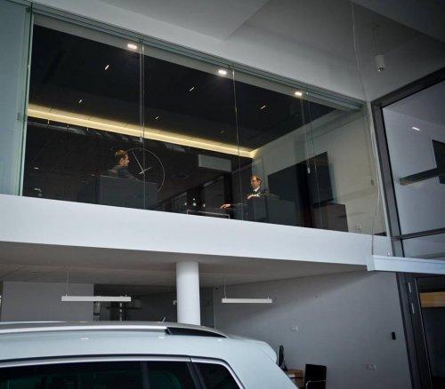 Автосалон