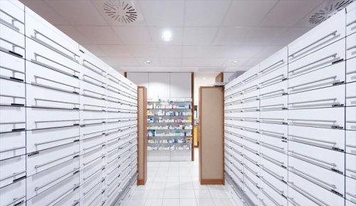 Farmacia Comunale di Signa - Firenze - Illuminazione spazi commerciali iGuzzini