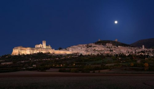 Lighting for places of worship: Sacred Convent of Assisi - Lighting for places of worship iGuzzini